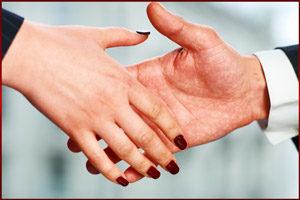 Жать руки