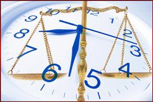 Часы и судебные весы