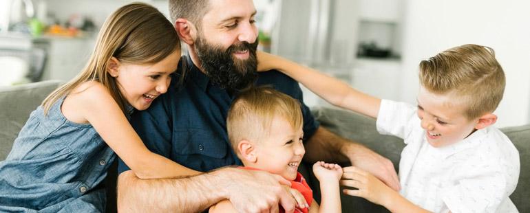 Можно ли уволить многодетного отца с работы